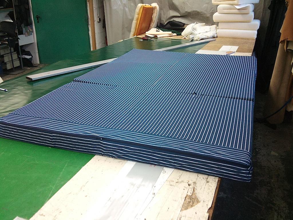 matratze sauber machen matratze reinigen so wird es gemacht bett matratze sauber machen. Black Bedroom Furniture Sets. Home Design Ideas